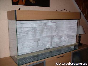 aquarium r ckwand selber bauen zuhause image idee. Black Bedroom Furniture Sets. Home Design Ideas